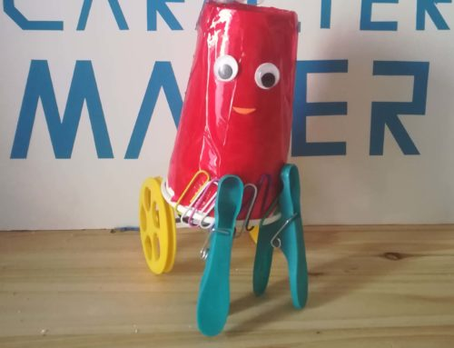 REMAKERIZA: JunkBot, un robot para niños con restos de juguetes.