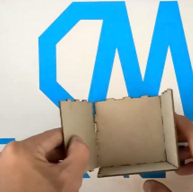 montaje interno caja de cartón personalizada